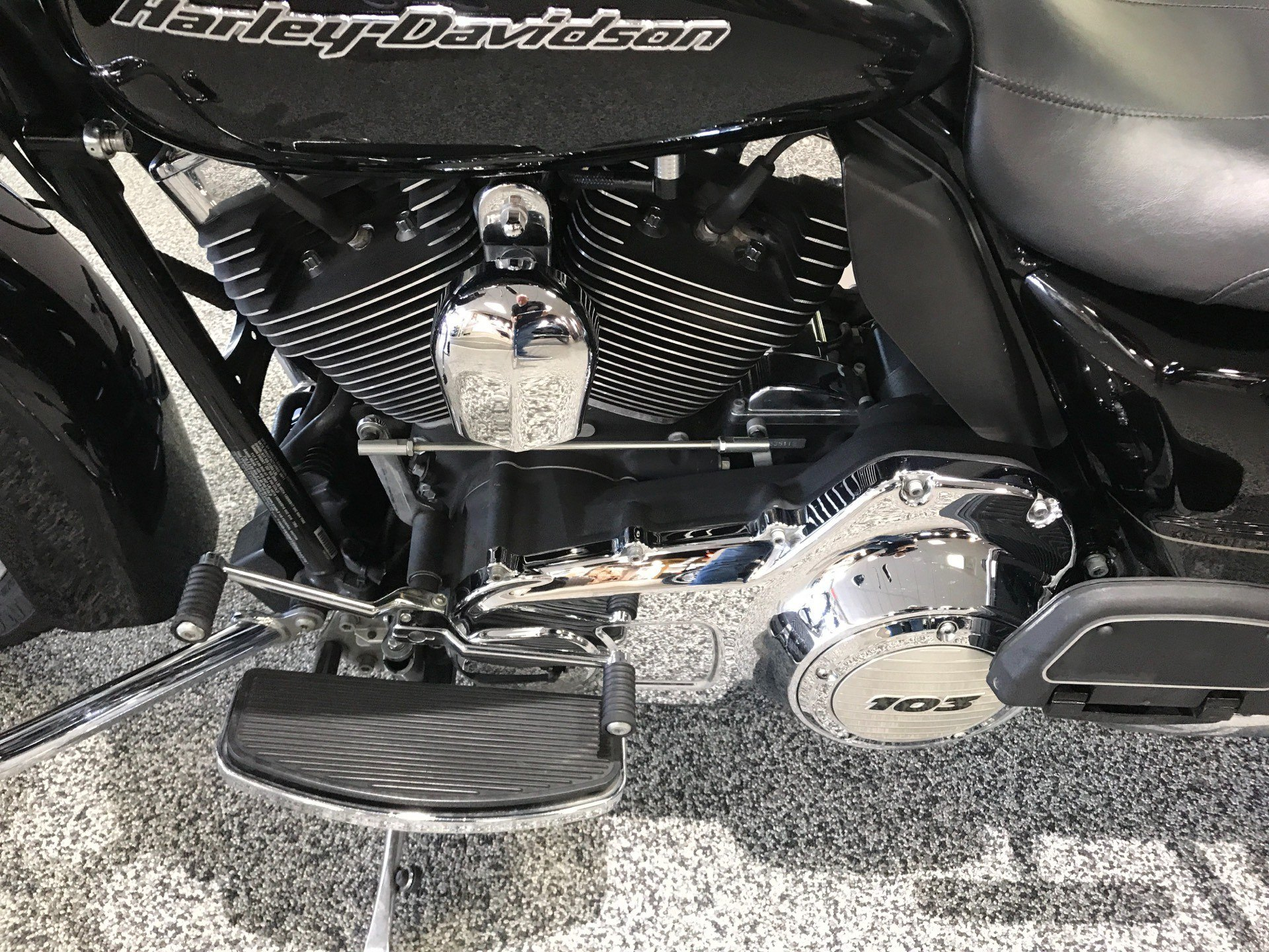 2012 Harley-Davidson Road Glide® Ultra in Knoxville, Tennessee - Photo 17