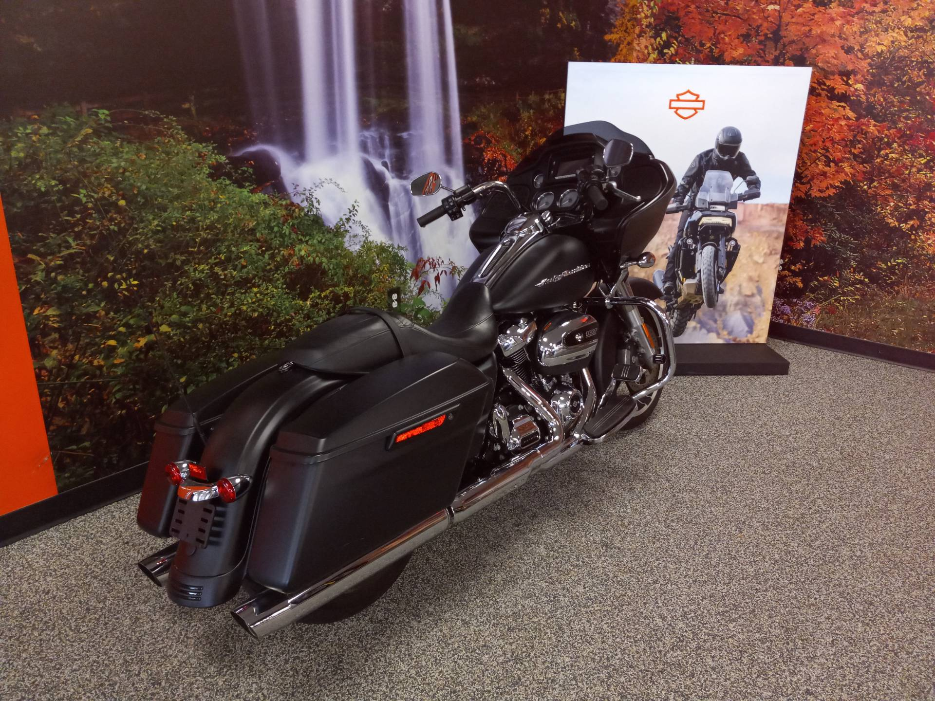 2017 Harley-Davidson Road Glide® Special in Knoxville, Tennessee - Photo 4