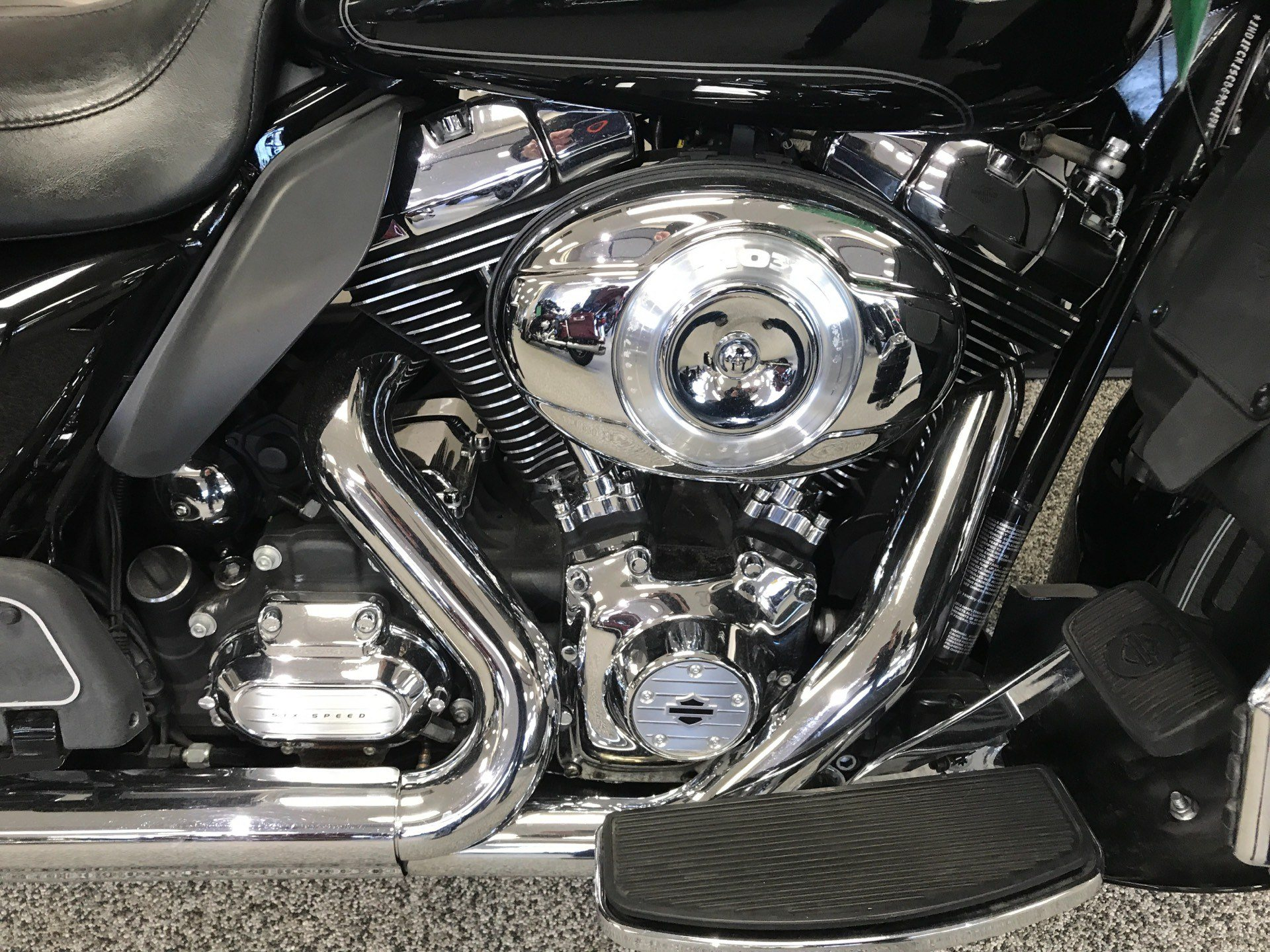 2012 Harley-Davidson Ultra Classic® Electra Glide® in Knoxville, Tennessee - Photo 2