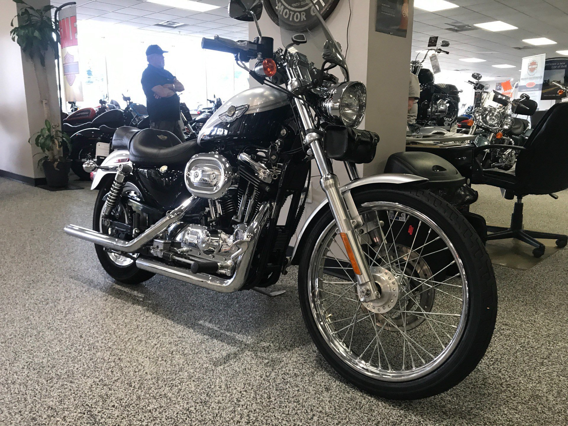 2003 Harley-Davidson XL 1200C Sportster® 1200 Custom in Knoxville, Tennessee - Photo 16