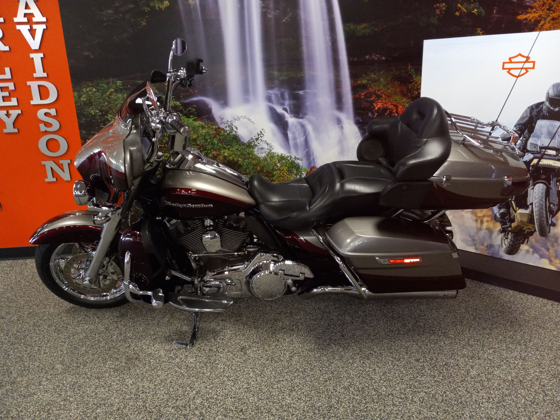2015 Harley-Davidson CVO™ Limited in Knoxville, Tennessee - Photo 3