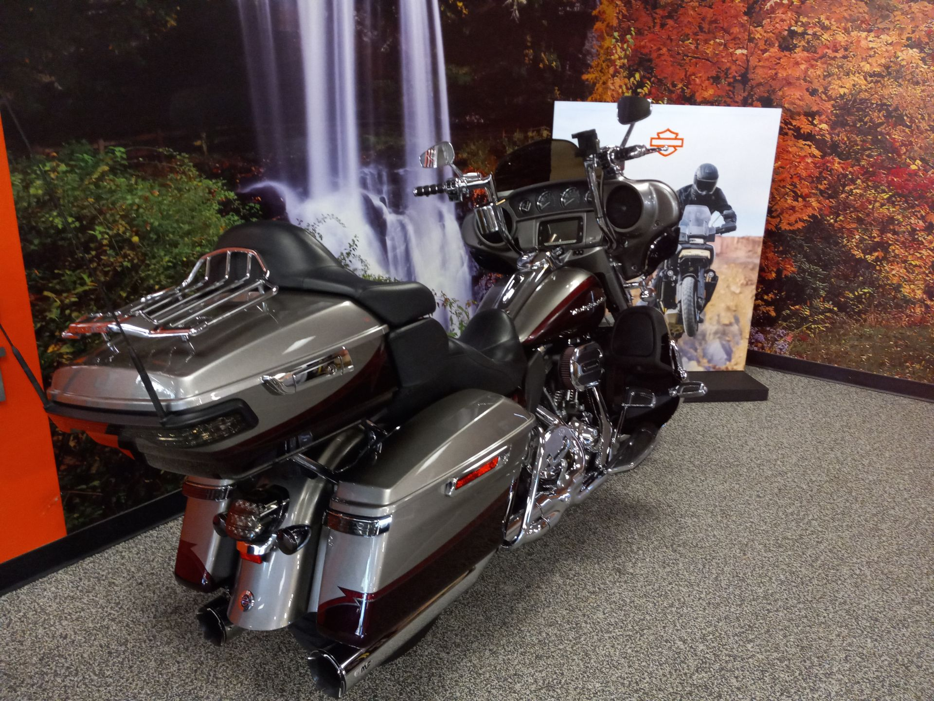 2015 Harley-Davidson CVO™ Limited in Knoxville, Tennessee - Photo 4