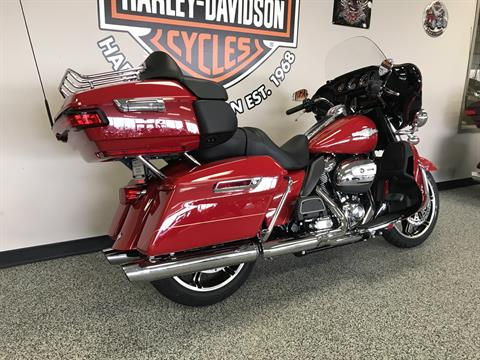 2020 Harley-Davidson ULTRA LIMITED FIREFIGHTER EDITION in Knoxville, Tennessee - Photo 17