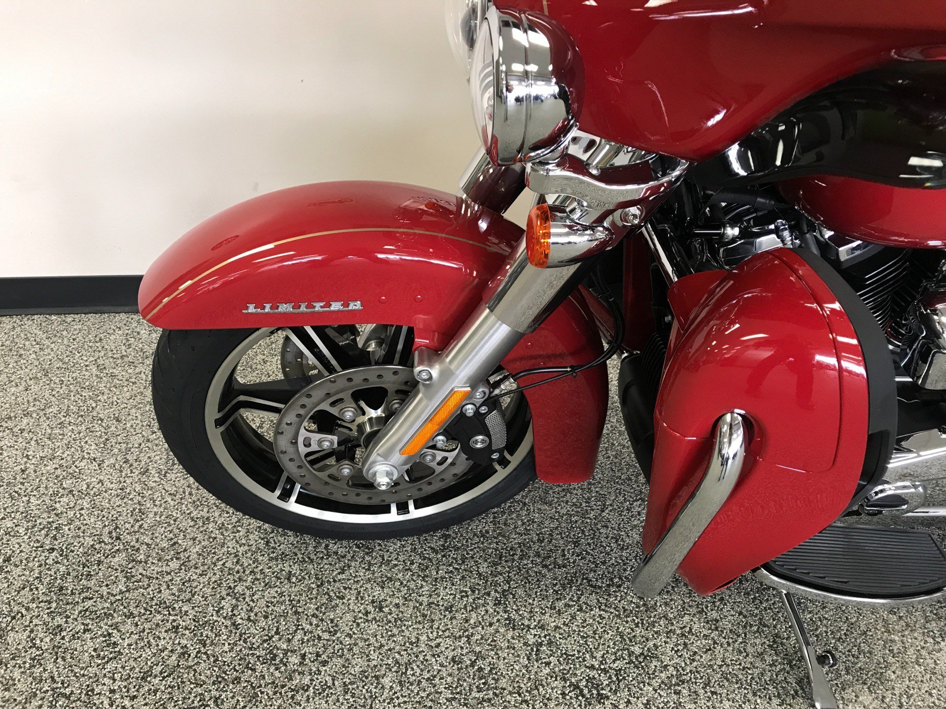 2020 Harley-Davidson ULTRA LIMITED FIREFIGHTER EDITION in Knoxville, Tennessee - Photo 20