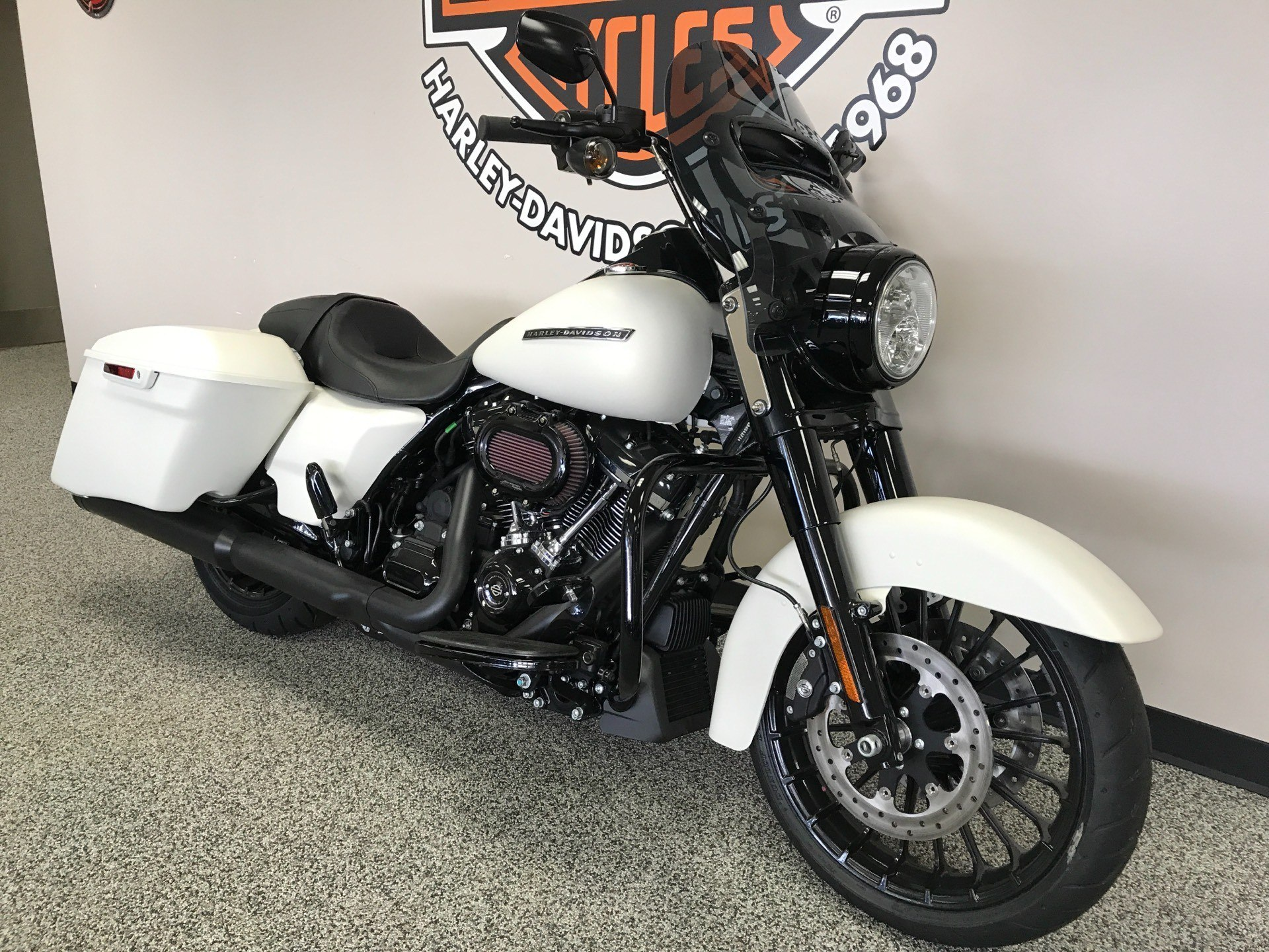 2019 Harley-Davidson Road King® Special in Knoxville, Tennessee - Photo 14