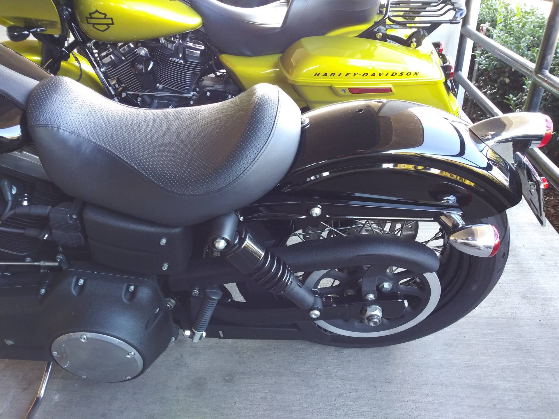 2011 Harley-Davidson Dyna® Street Bob® in Knoxville, Tennessee - Photo 16