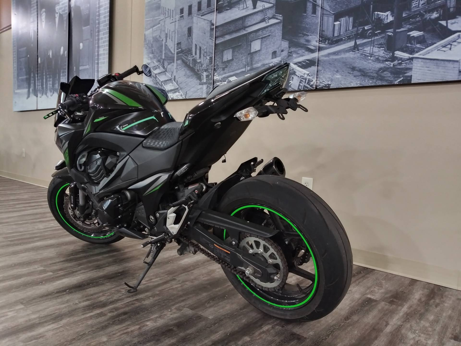 2016 Kawasaki Z800 ABS in Knoxville, Tennessee - Photo 16