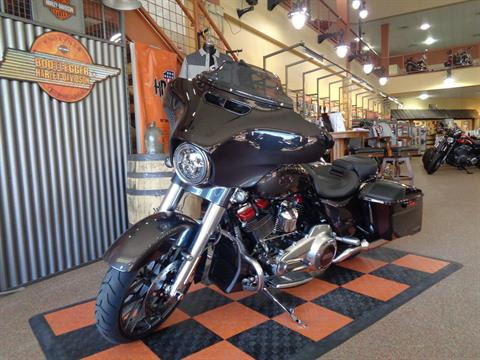 2020 Harley-Davidson CVO™ Street Glide® in Knoxville, Tennessee - Photo 28