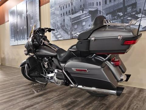 2017 Harley-Davidson Ultra Limited in Knoxville, Tennessee - Photo 17