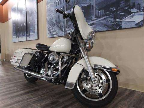 2011 Harley-Davidson Police Electra Glide® in Knoxville, Tennessee - Photo 11