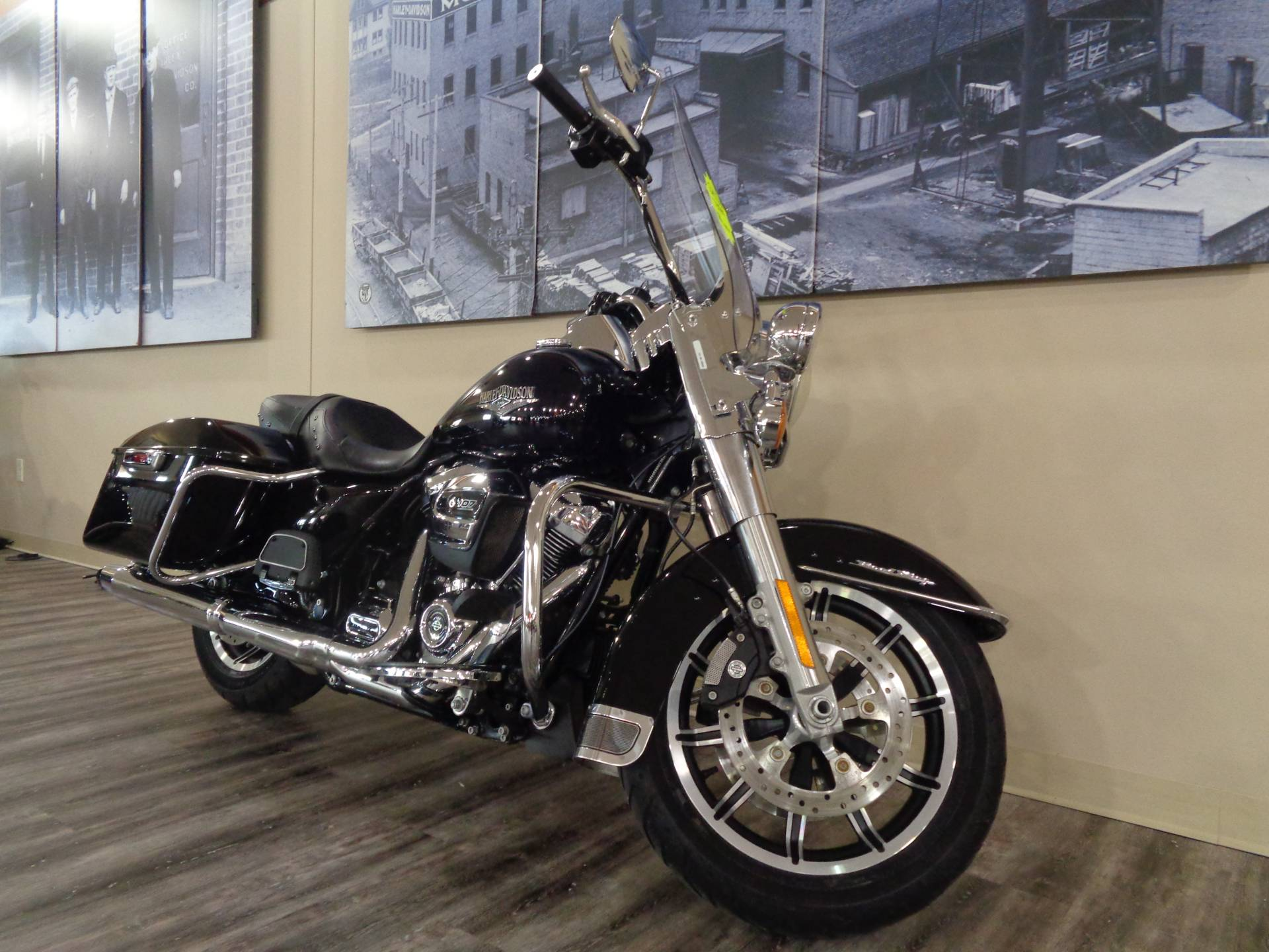2019 Harley-Davidson Road King® in Knoxville, Tennessee - Photo 11