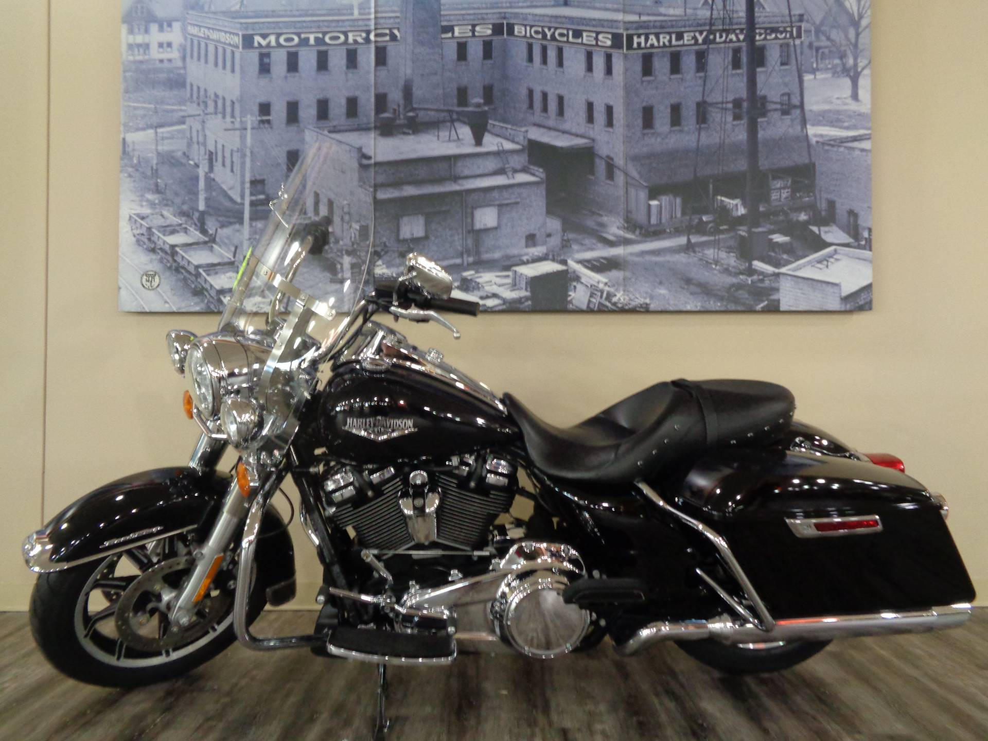 2019 Harley-Davidson Road King® in Knoxville, Tennessee - Photo 12