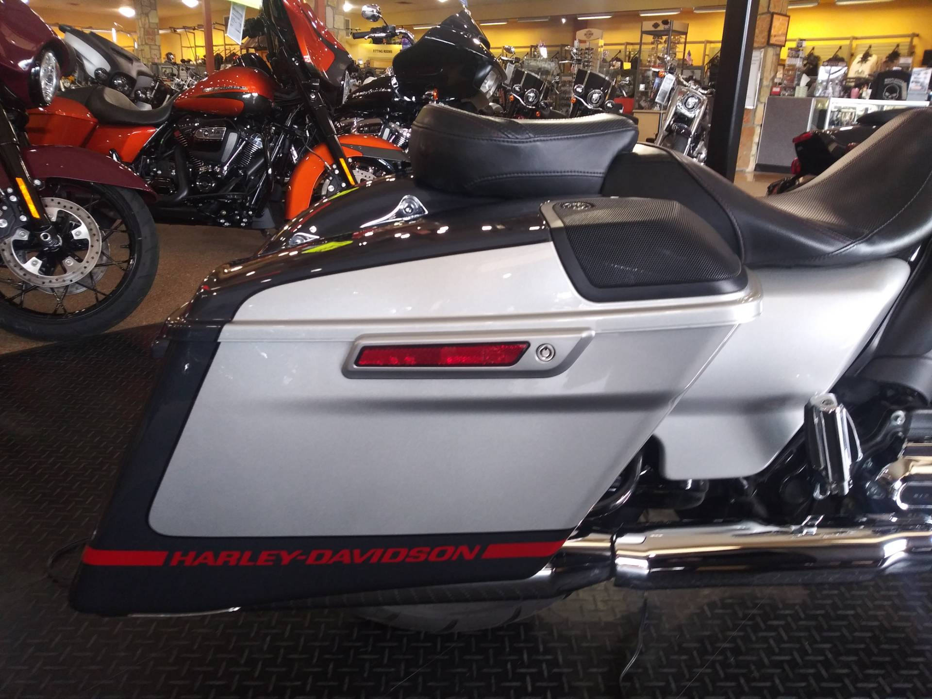2019 Harley-Davidson CVO™ Street Glide® in Knoxville, Tennessee - Photo 5