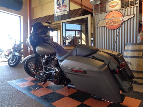 2019 Harley-Davidson Street Glide® Special in Knoxville, Tennessee - Photo 17
