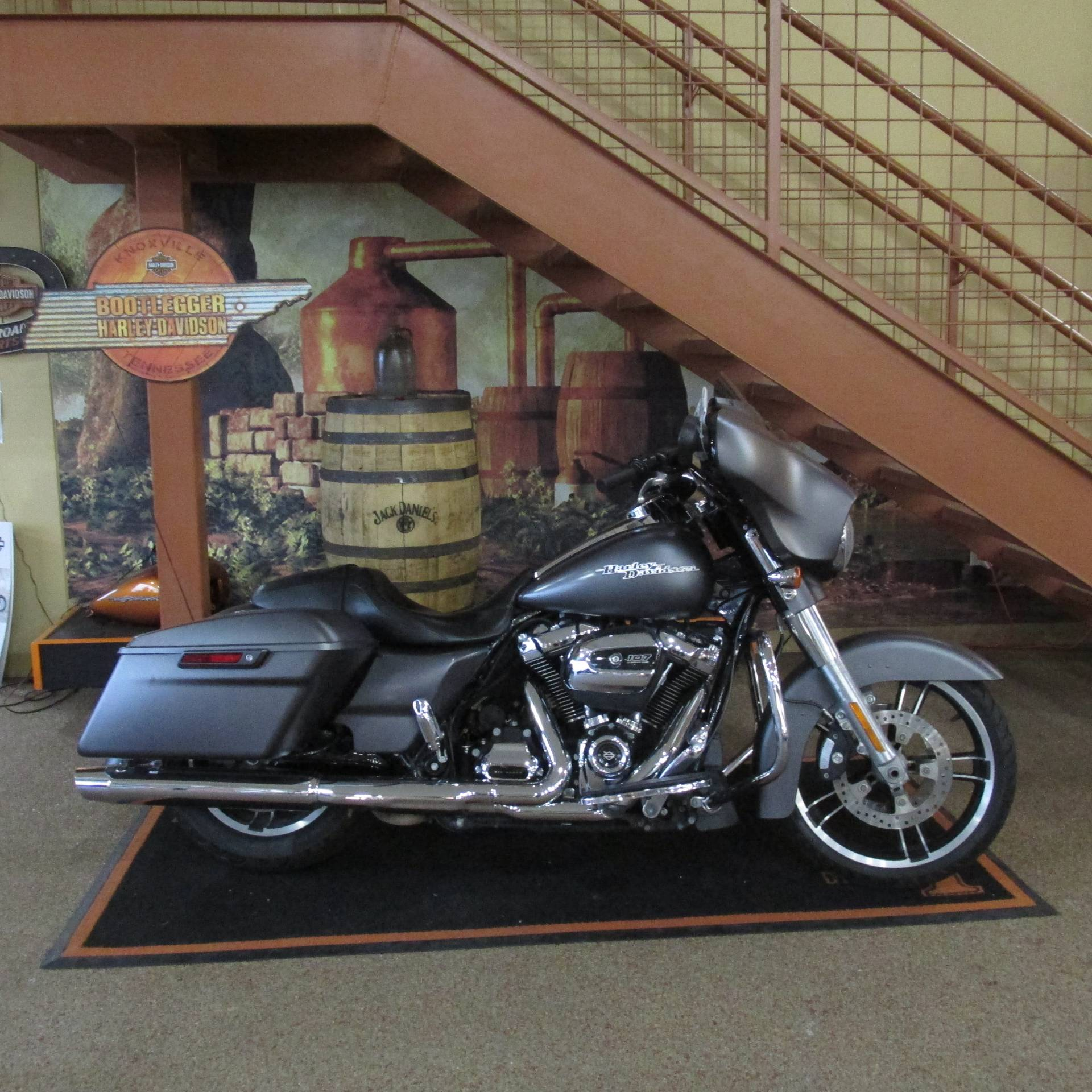 2017 Harley-Davidson Street Glide® Special in Knoxville, Tennessee - Photo 1