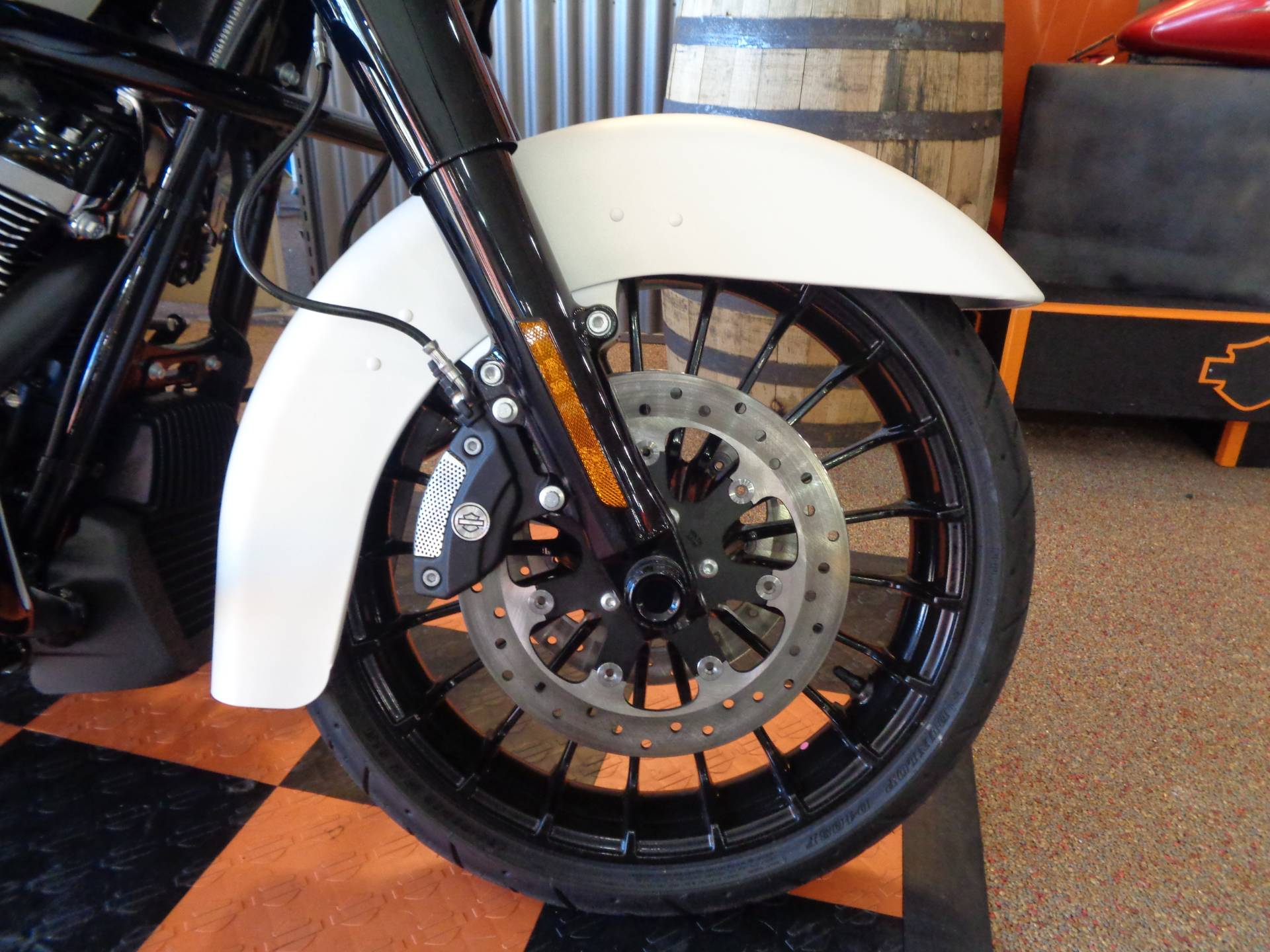 2019 Harley-Davidson Road King® Special in Knoxville, Tennessee - Photo 9