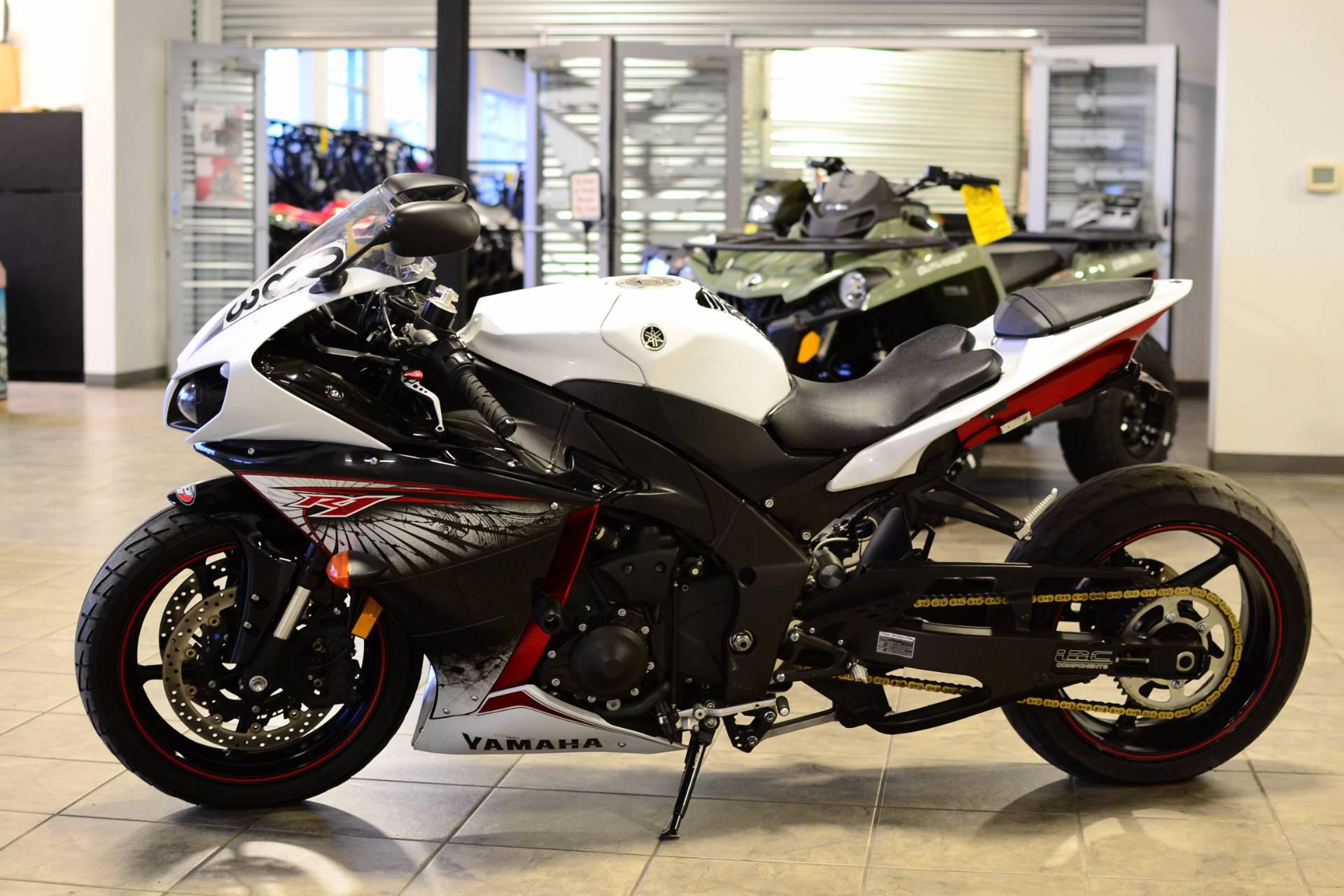 2012 Yamaha YZF-R1 3