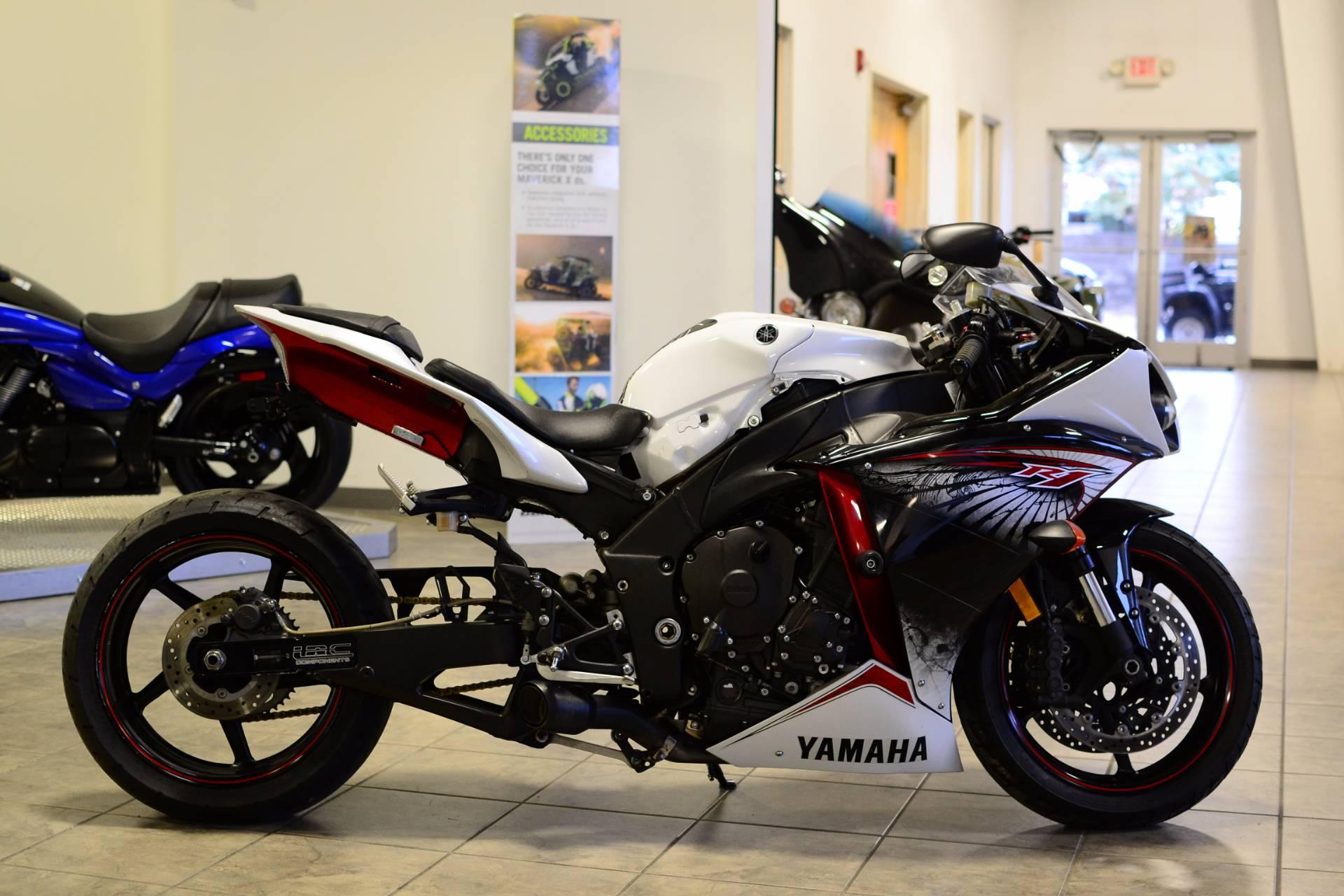 2012 Yamaha YZF-R1 2