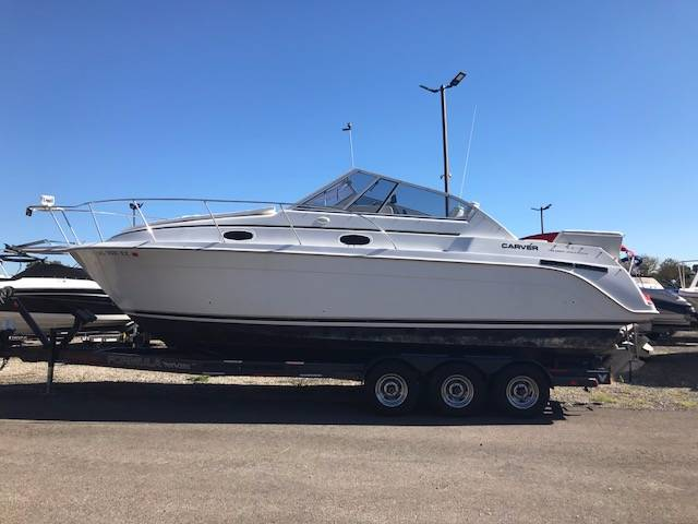 1997 CARVER 280 SPECIAL EDITION in Round Lake, Illinois