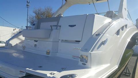 2017 Chaparral 330 SIGNATURE in Round Lake, Illinois
