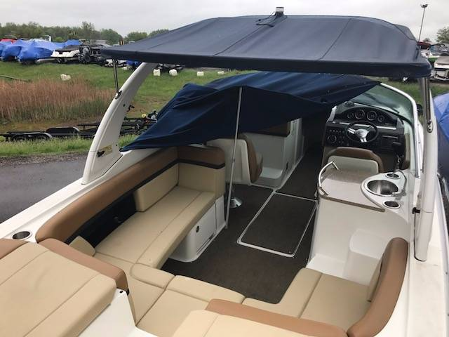 2014 Sea Ray 270 SLX in Round Lake, Illinois