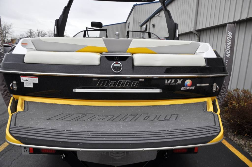 2015 Malibu Wakesetter 22 VLX in Round Lake, Illinois
