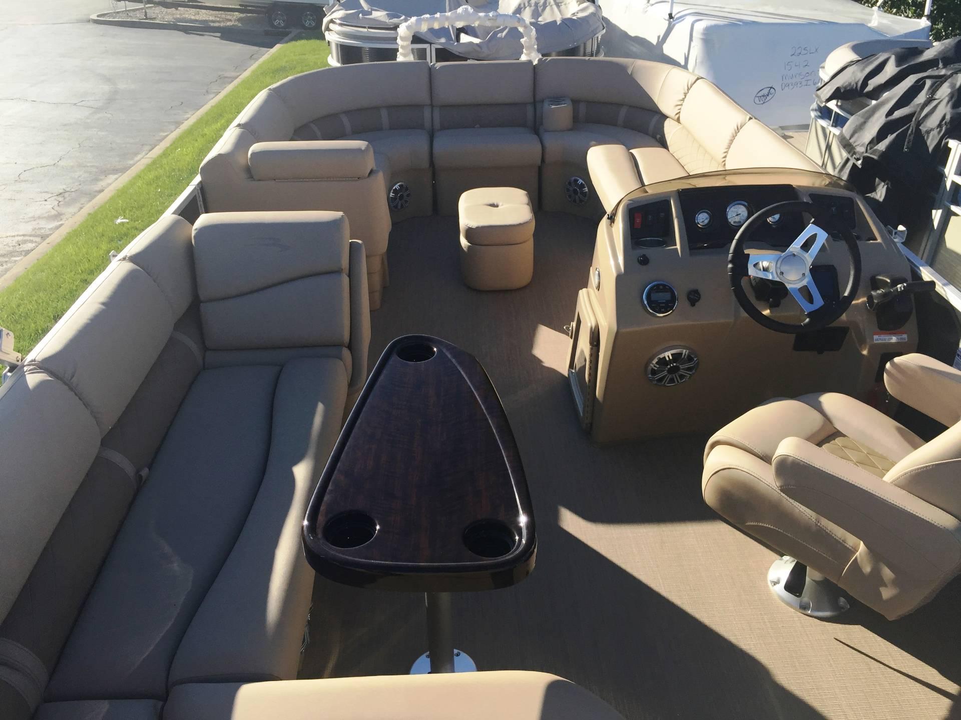 2017 Bennington 22 SLX in Round Lake, Illinois