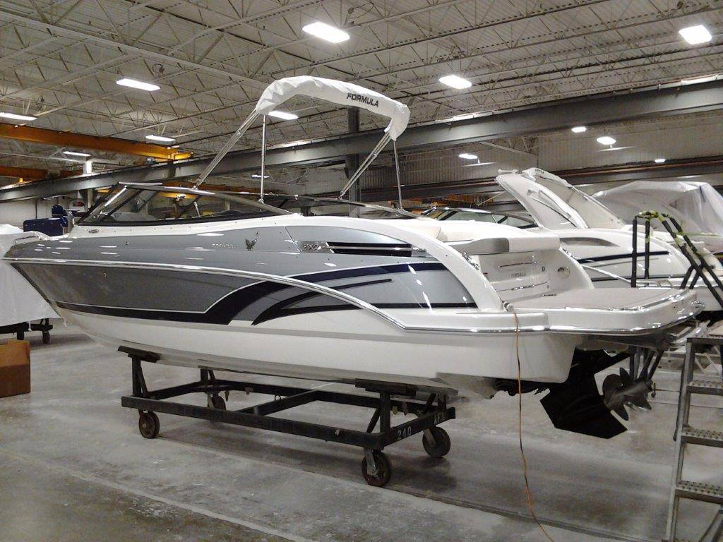 2017 Formula 240 Bowrider in Round Lake, Illinois