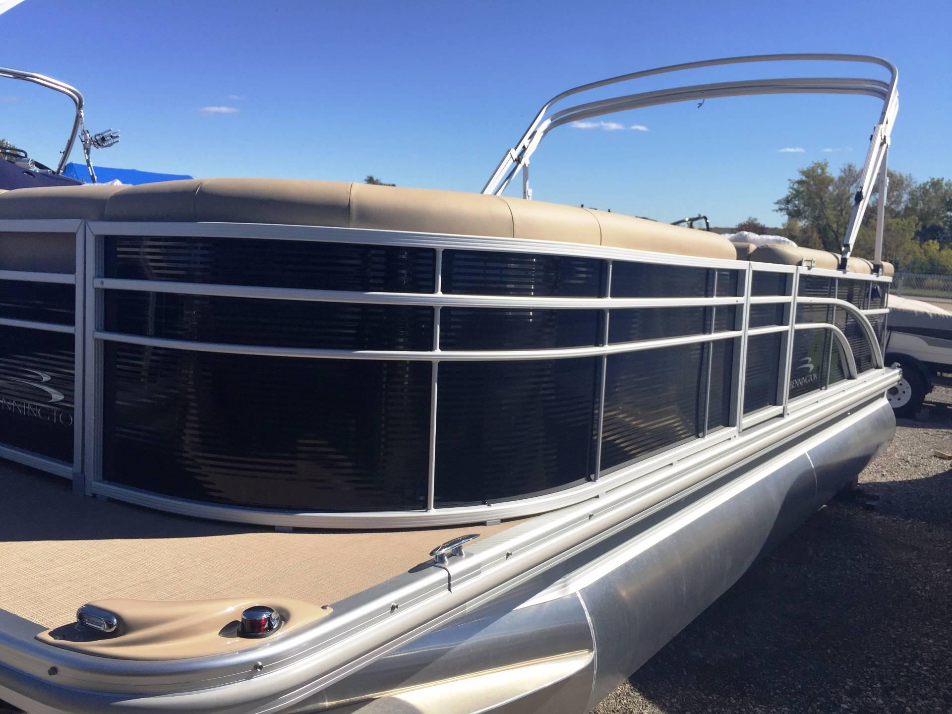 2017 Bennington 21 SLX in Round Lake, Illinois