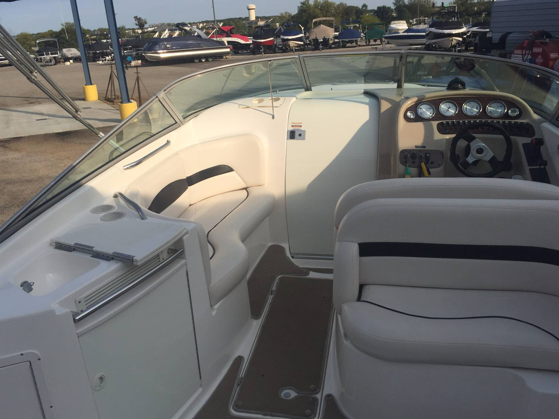 2000 Chaparral 285 SSi in Round Lake, Illinois