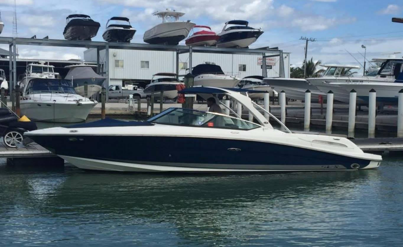 2014 Sea Ray 270SLX in Round Lake, Illinois