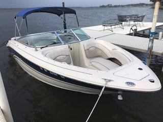 2003 Sea Ray 230 SIGNATURE BR in Round Lake, Illinois
