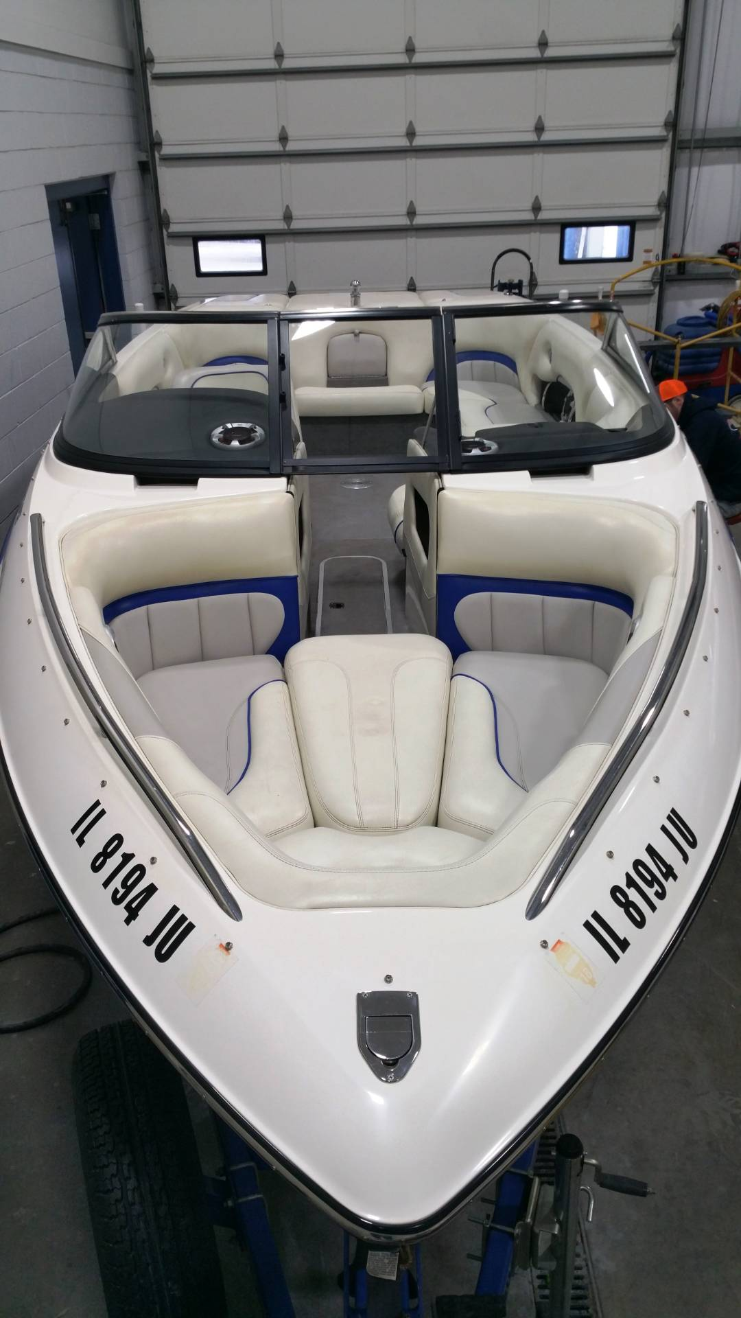 2004 Malibu Sunscape 23 LSV in Round Lake, Illinois