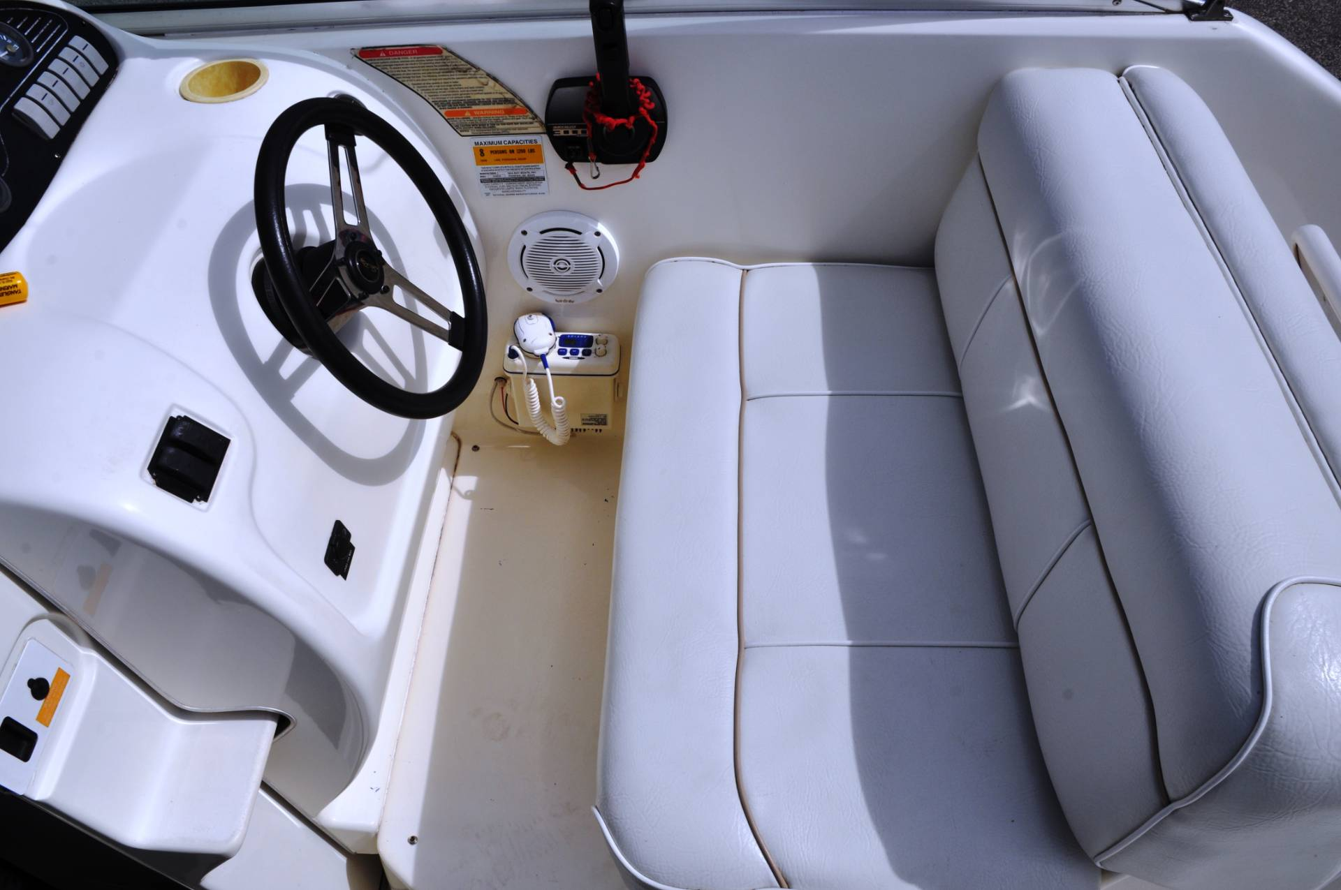1996 Sea Ray 240 in Round Lake, Illinois