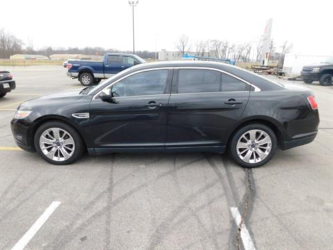 2011 Ford TAURUS LIMITED in Kendallville, Indiana