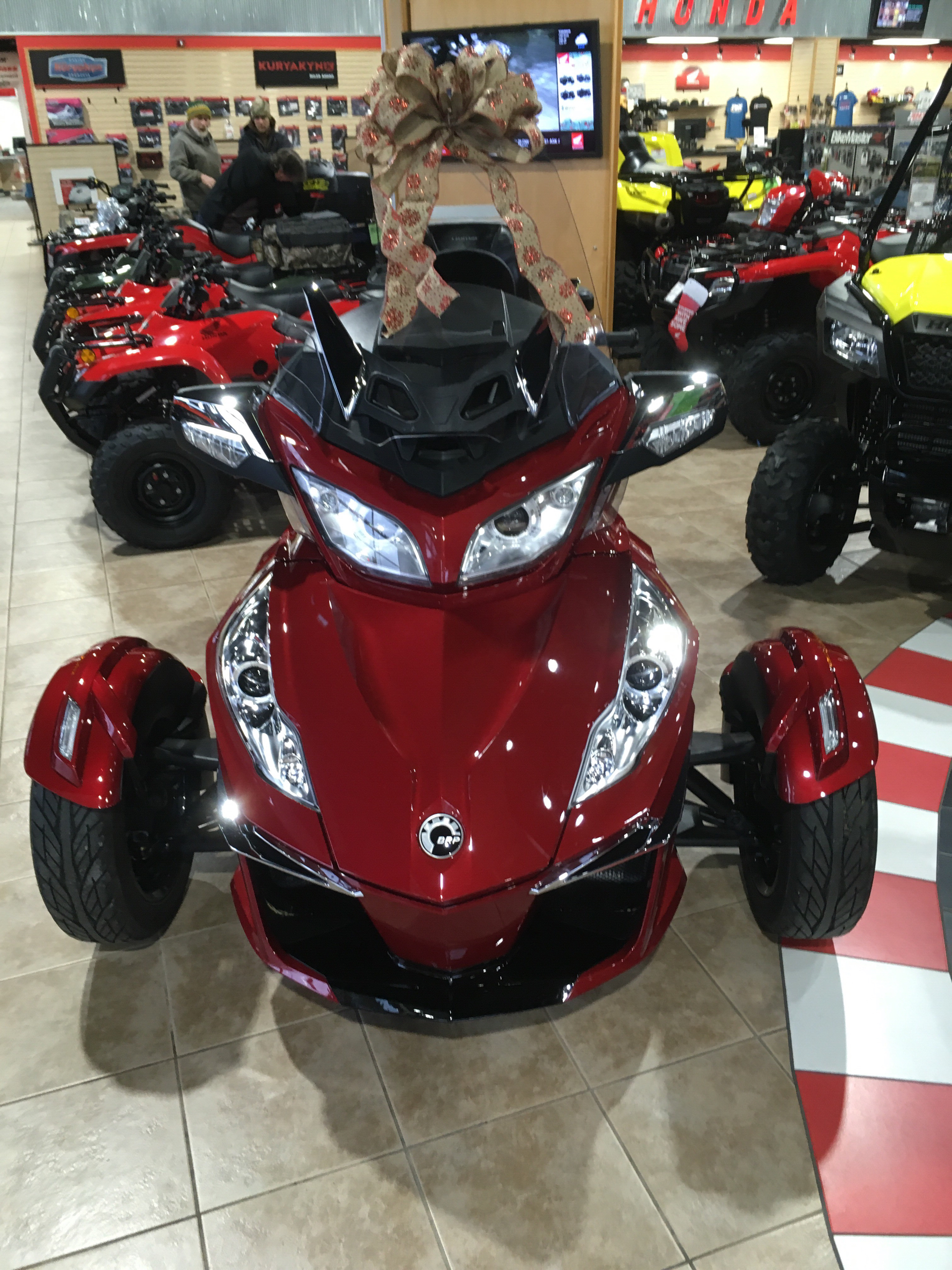 2016 Can-Am Spyder RT-S SE6 in Kendallville, Indiana