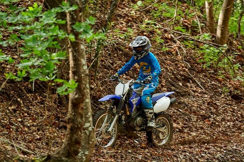 2016 Yamaha TT-R125LE 8