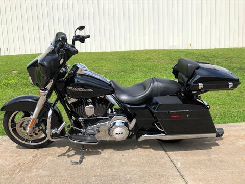 2013 Harley-Davidson Street Glide® in Fayetteville, Georgia - Photo 10