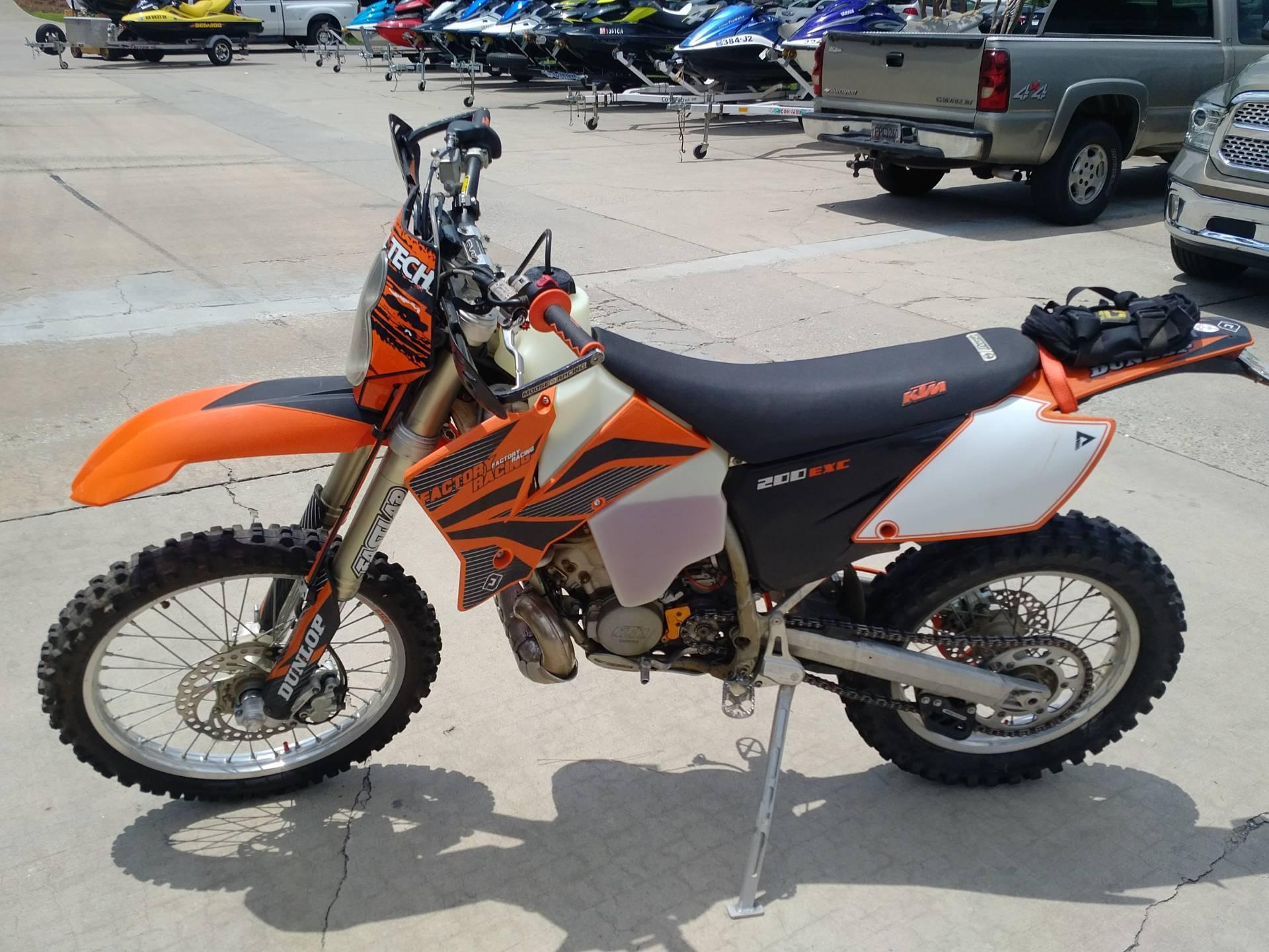 2004 200 EXC