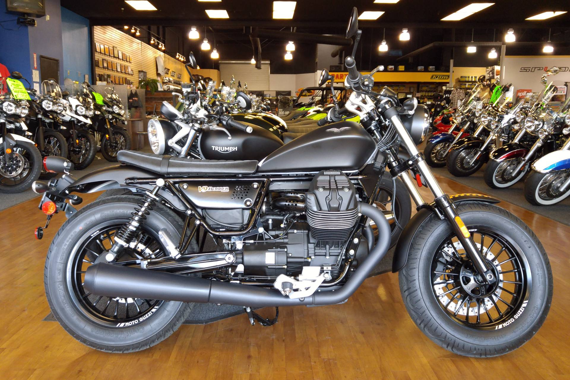 2017 Moto Guzzi V9 Bobber in Elk Grove, California