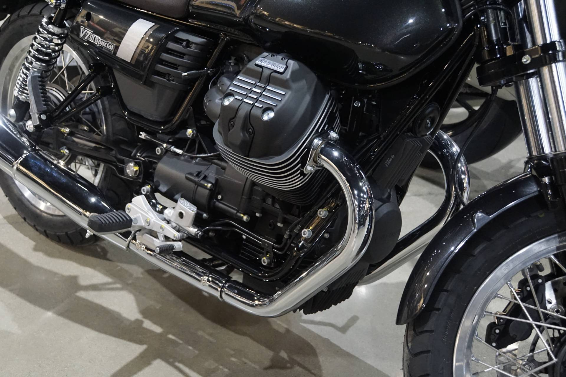 2020 Moto Guzzi V7 III Special in Elk Grove, California - Photo 3