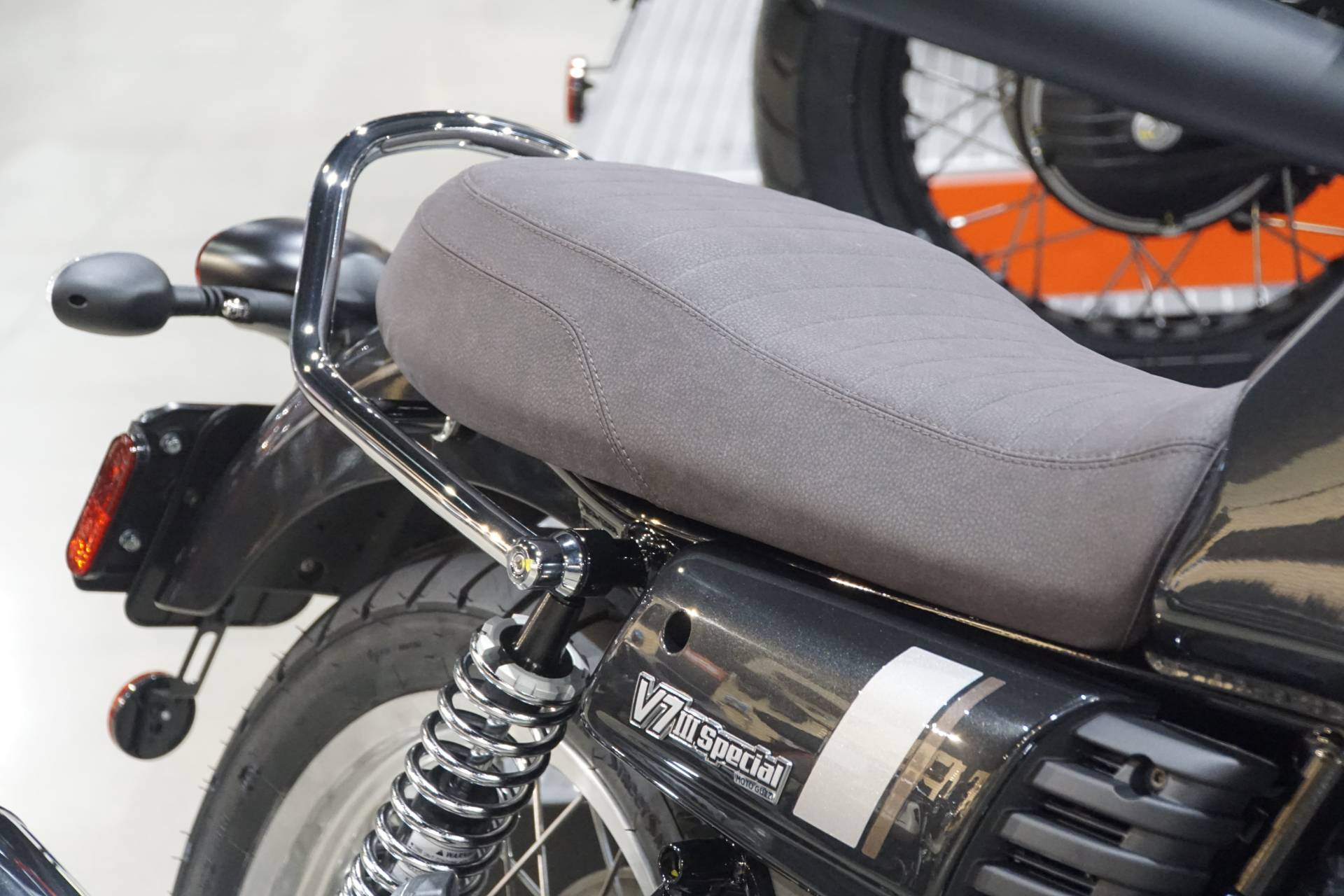2020 Moto Guzzi V7 III Special in Elk Grove, California - Photo 5