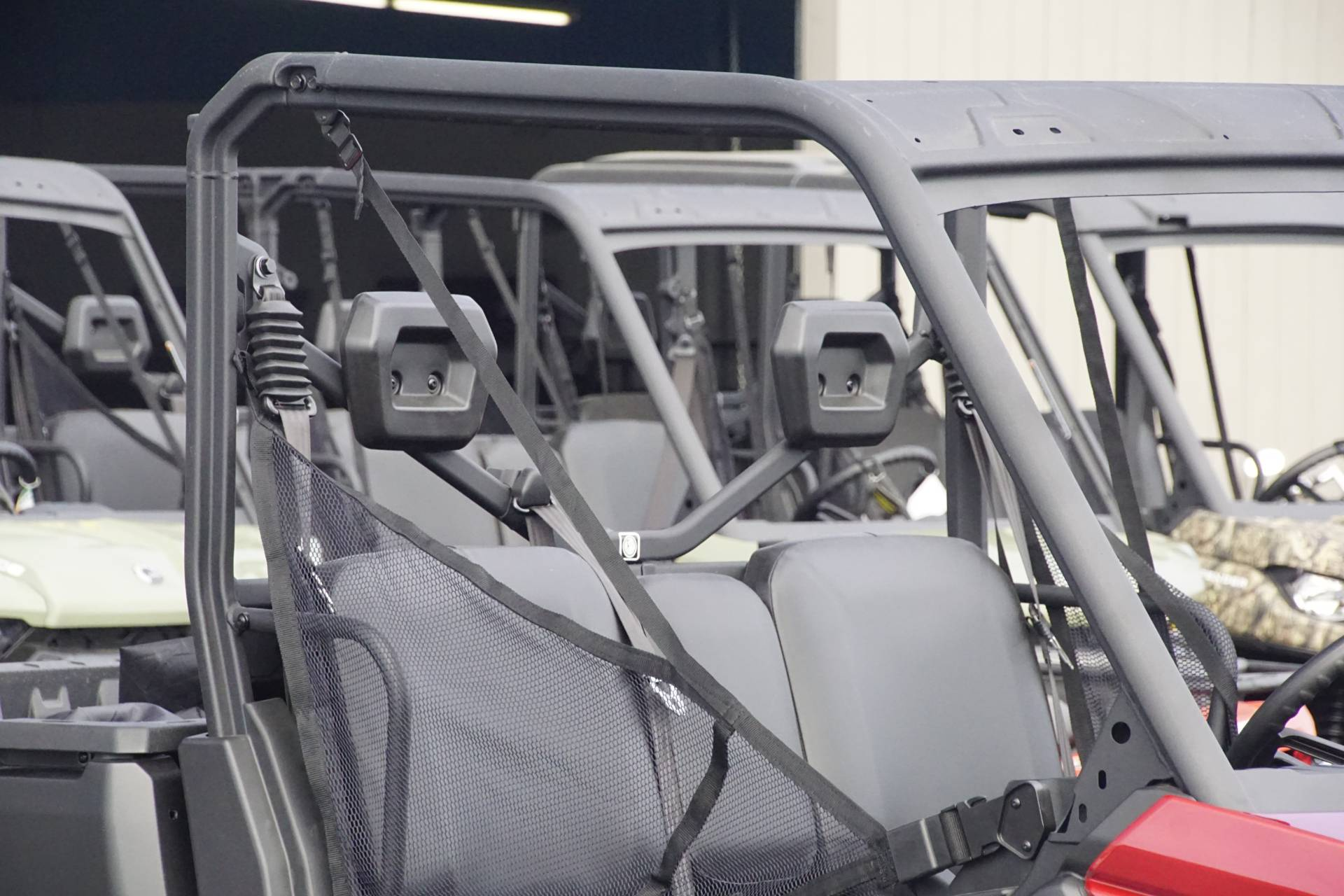 2019 Can-Am� Defender DPS HD8 7