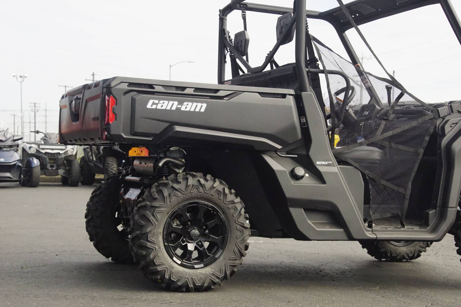 2019 Can-Am� Defender DPS HD8 8