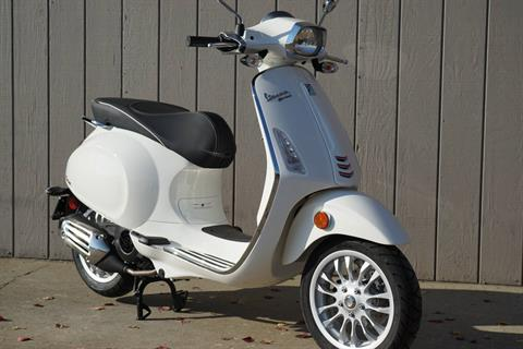 2017 Vespa Sprint 150 in Elk Grove, California - Photo 3