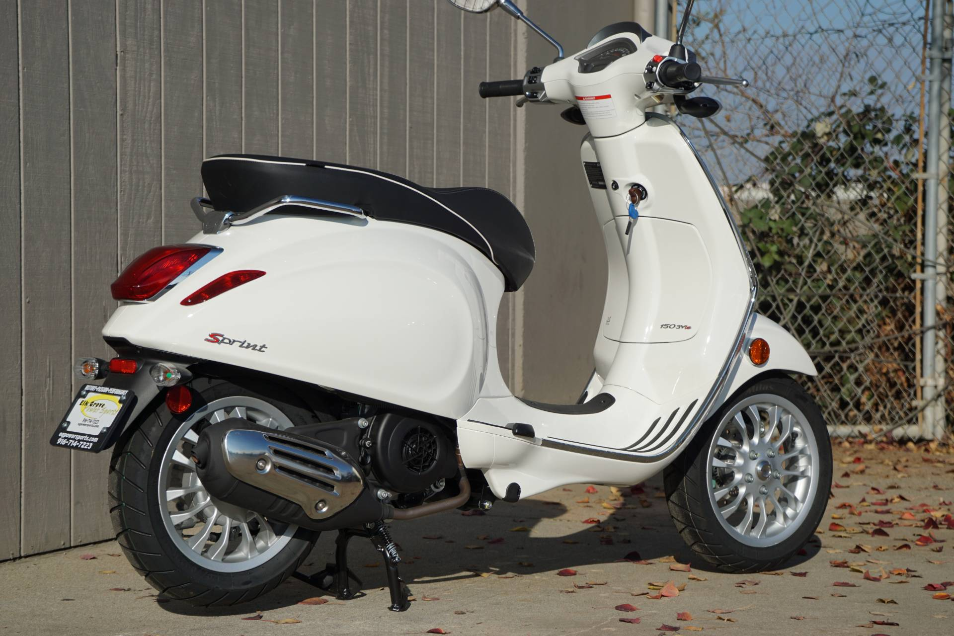 2017 Vespa Sprint 150 in Elk Grove, California - Photo 12