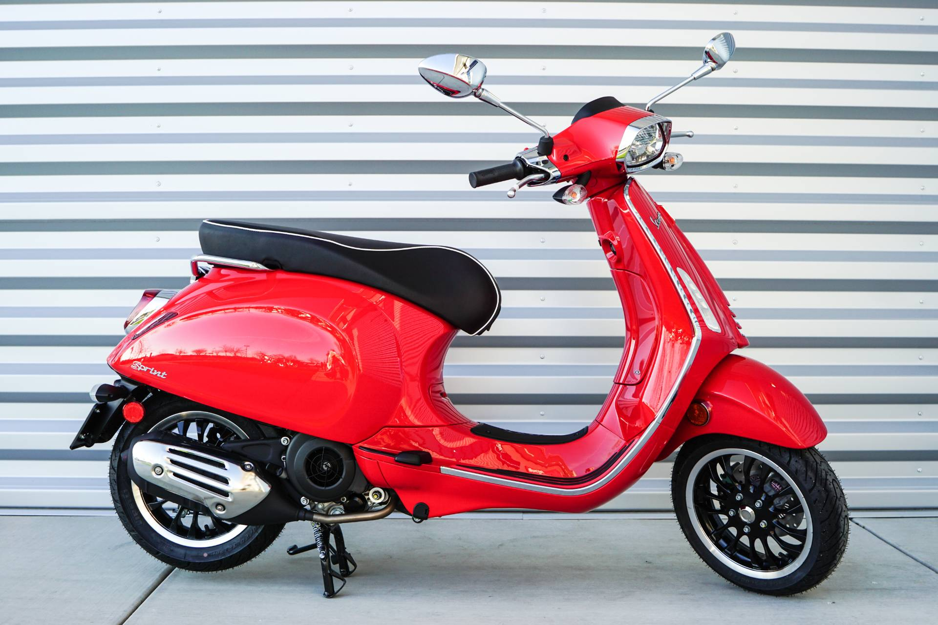 2020 Vespa Sprint 150 in Elk Grove, California - Photo 2