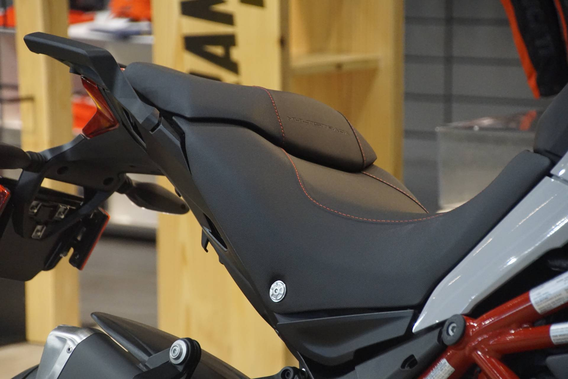 2020 Ducati Multistrada 950 S Spoked Wheel in Elk Grove, California - Photo 6