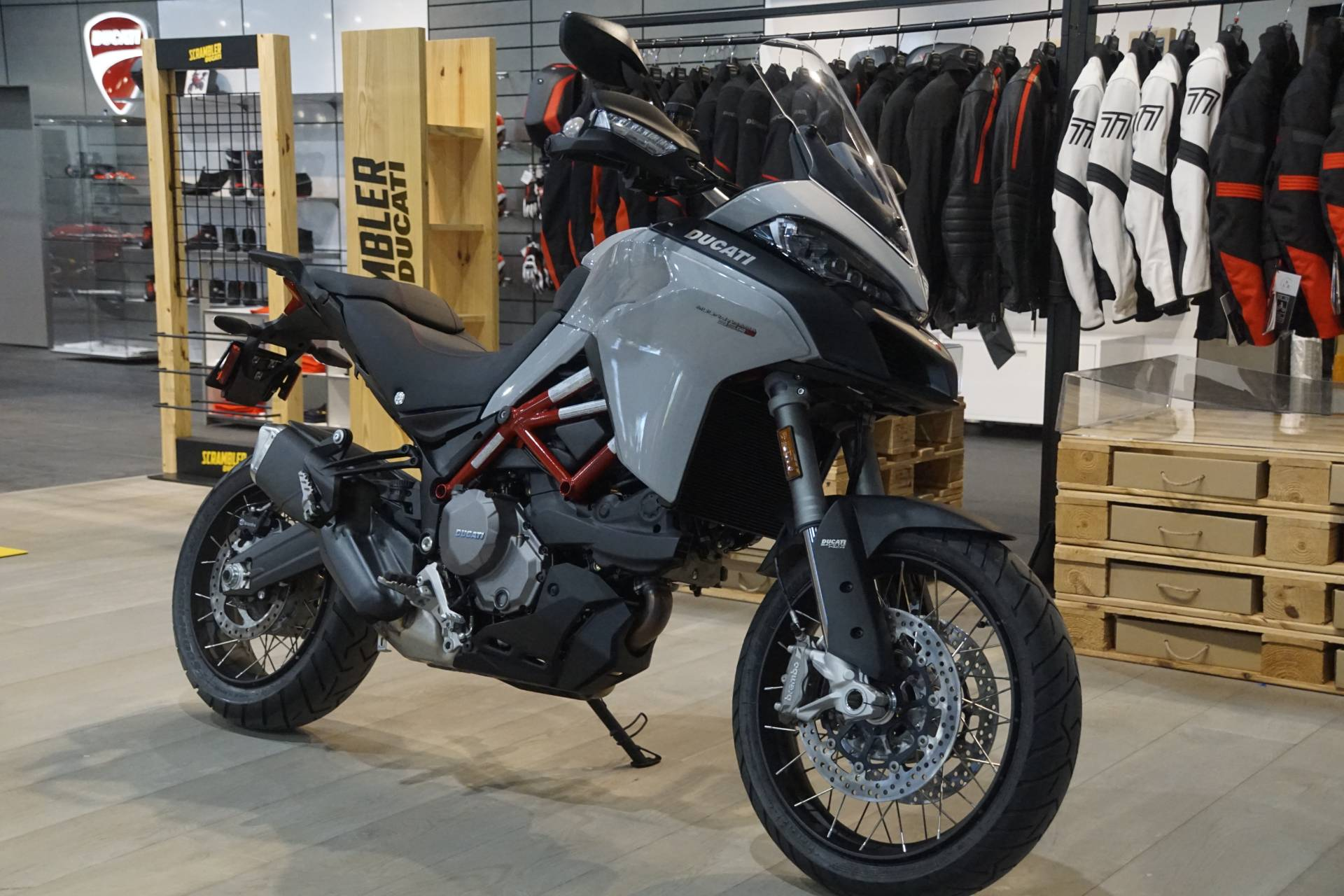 2020 Ducati Multistrada 950 S Spoked Wheel in Elk Grove, California - Photo 2