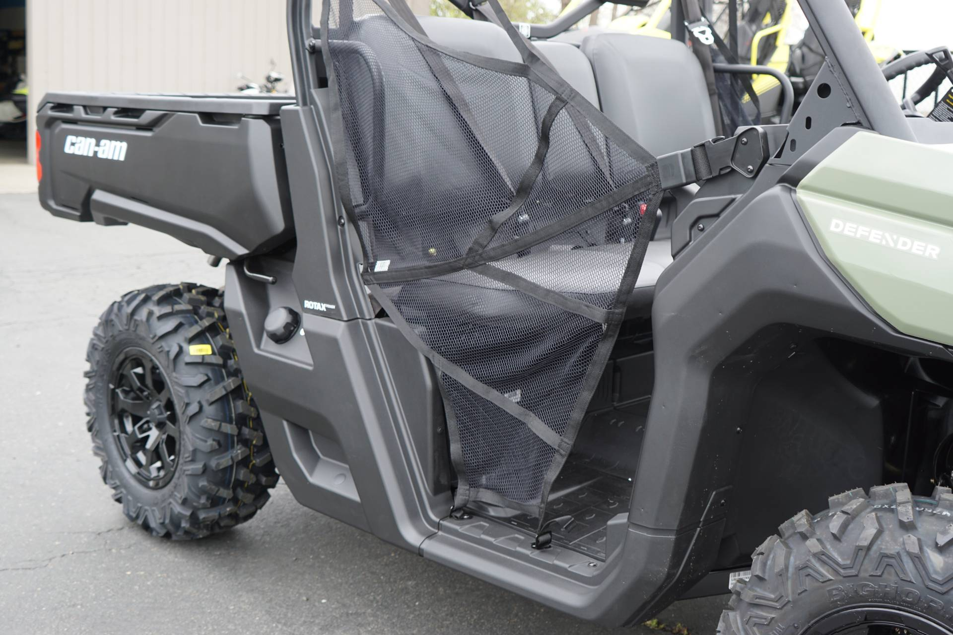 2019 Can-Am Defender DPS HD8 in Elk Grove, California - Photo 6